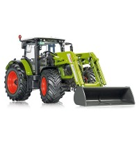 Claas Arion 650 mit Frontlade