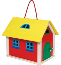 Farmhaus aus Holz, Koffer mit