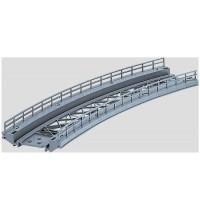 Märklin - H0 - Brücken - Rampenstück gebogen Radius 424 mm - nur für K-Gleis