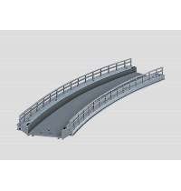 Märklin - H0 - Brücken - Gebogenes Rampenstück Radius 2 für C-Gleis