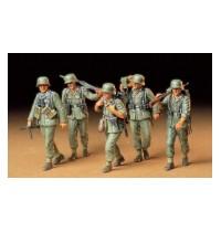1/35 Dt. MG-Crew Hersteller: Tamiya 5 Figuren, 88 Teile