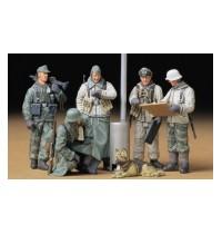1/35 Dt. Soldaten Befehlsausg Hersteller: Tamiya 5 Figuren