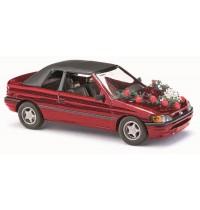 Busch Modellbahnzubehör - Ford Escort Cabrio, geschlossen,Hochzeit
