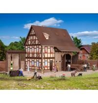 H0 Bauernhaus mit Scheune Hersteller : Vollmer