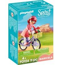 Maricela mit Fahrrad